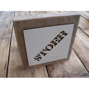 steigerplank-met-vierkante-mal-met-naam-woord