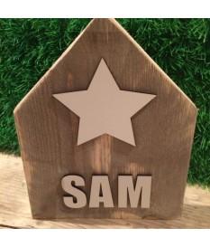 Steigerhout huisje met naam en ster