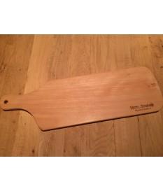 Beuken borrelplank/broodplank met handvat en gravure.