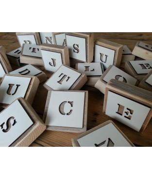 Houten letterplankje met mal
