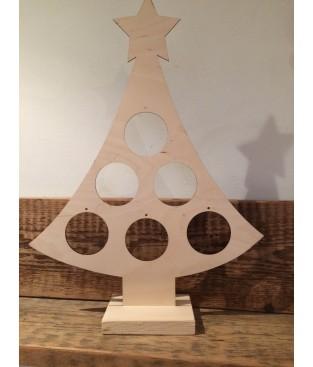 Kerstboom met gaten voor decoratie