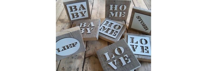 Steigerhout met letters